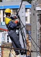 تبدیل شبکه سیمی برق17روستای  خنداب به کابل خودنگهدار